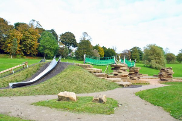 Peel Park play area - ready for play time!